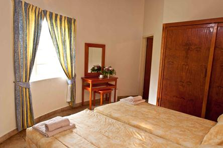 Badplaas, A Forever Resort: 1-Bedroom Rondavel (4 single beds)