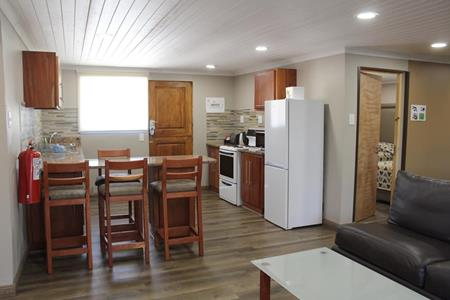 Badplaas, A Forever Resort: 6-Sleeper Log Cabin. 2 bedrooms (1 double, 2 single & 1 sleeper couch)