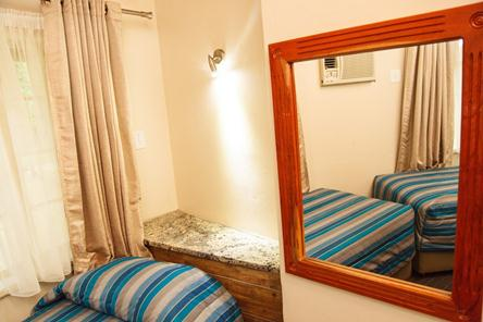 Badplaas, A Forever Resort: 4-Sleeper Rondavel. 2 bedrooms (4 single beds)